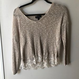 Long sleeve, v-neck sweater